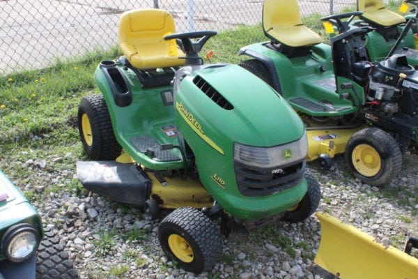 John Deere L110 Riding Mower