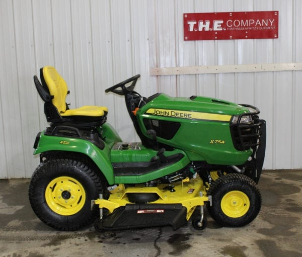 John Deere X754 Riding Lawn Mower
