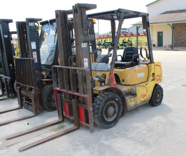 Caterpillar GP25 Forklift