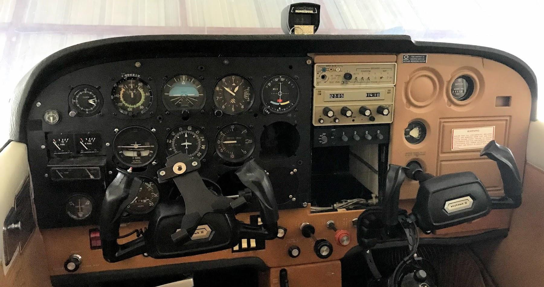 Cessna Airplane Skyhawk Ii 172m T H E Company