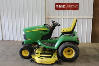 John Deere X485 Riding Mower