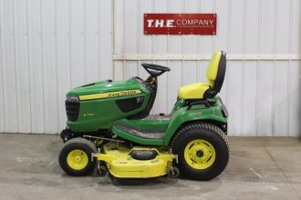 John Deere X754 Riding Mower