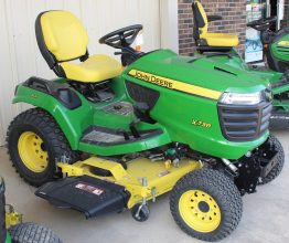 John Deere X738 Riding Mower