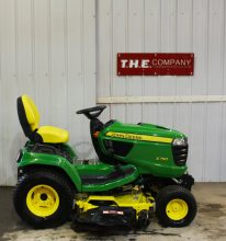 John Deere X750 Riding Mower