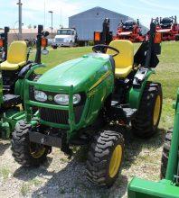 John Deere 2025 Tractor