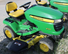 John Deere X320 Riding Mower