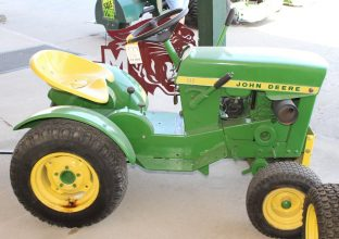 John Deere 112 Riding Mower