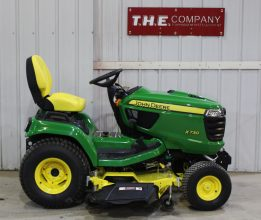 John Deere X730 Riding Lawn Mower